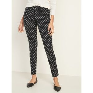 Old Navy black + white patterned pixie pants